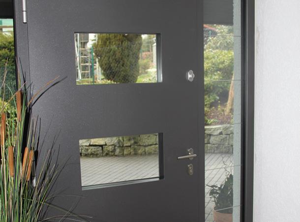 referenzen haust ren f rber fensterbau. Black Bedroom Furniture Sets. Home Design Ideas