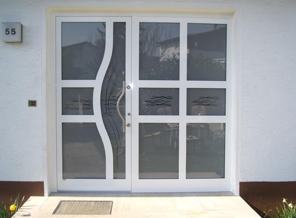 Haustür weiß sprossen  Referenzen Haustüren   Färber Fensterbau