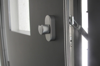 Aluminiumhaustür mit Seitenteilen